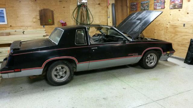 1983 Oldsmobile Hurst Olds, T-Tops, Lightning rods,Sandrift Grey, NO