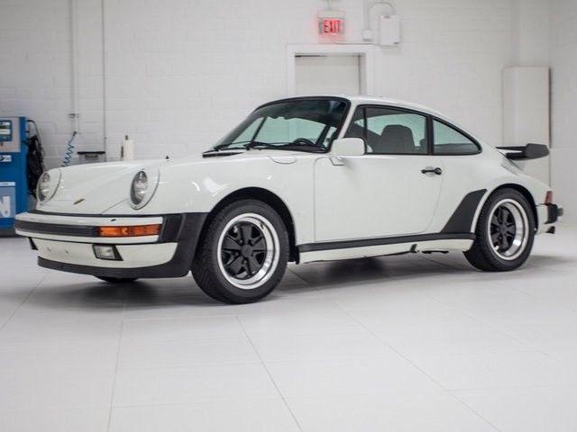 1984 porsche 911 carrera 29242 miles grand prix white 5 speed manual classic porsche 911 1984. Black Bedroom Furniture Sets. Home Design Ideas