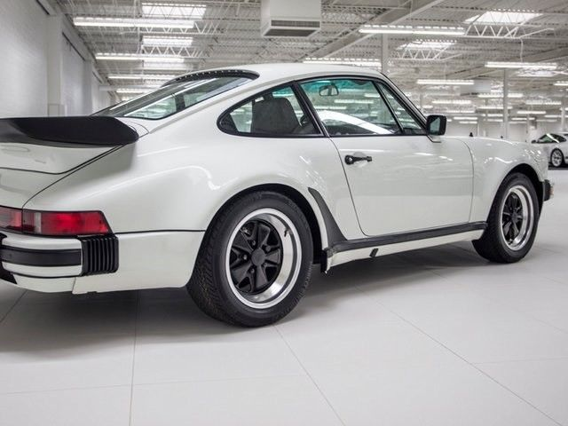1984 porsche 911 carrera 29242 miles grand prix white 5 speed manual classic porsche 911 1984. Black Bedroom Furniture Sets. Home Design Ideas