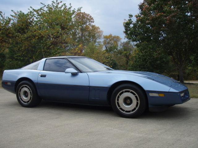 1985 Corvett Two Tone Blue Classic Chevrolet Corvette