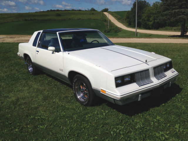 1985, Cutlass, G-body, t-tops, white, two door, automatic