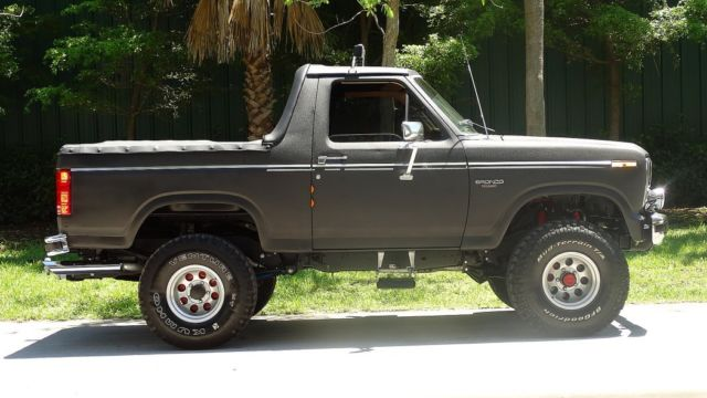 1985 ford bronco xlt edition customized restoration fun suv great tail gater classic ford. Black Bedroom Furniture Sets. Home Design Ideas