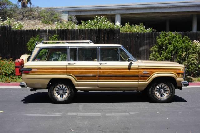 1985 jeep grand wagoneer 4x4 classic jeep wagoneer 1985. Black Bedroom Furniture Sets. Home Design Ideas