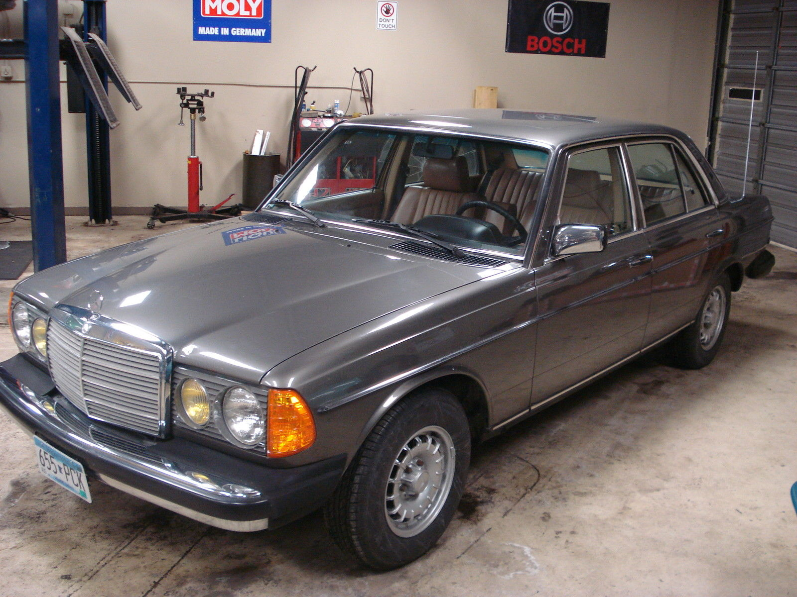 1985 mercedes 300d turbo diesel anthracite grey with for Mercedes benz 300 series