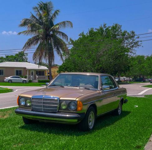 1985 Mercedes-Benz 300CD Base Coupe 2-Door 3 0L TURBO DIESEL