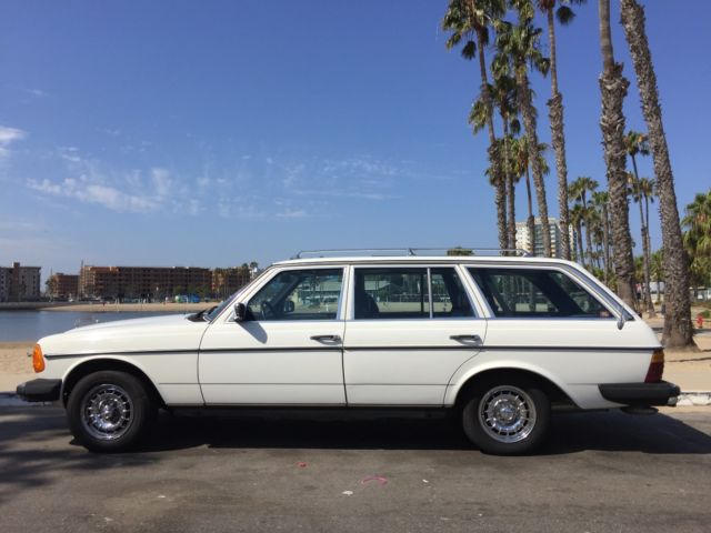1985 mercedes benz 300td wagon white w blue interior classic mercedes benz 300 series 1985. Black Bedroom Furniture Sets. Home Design Ideas