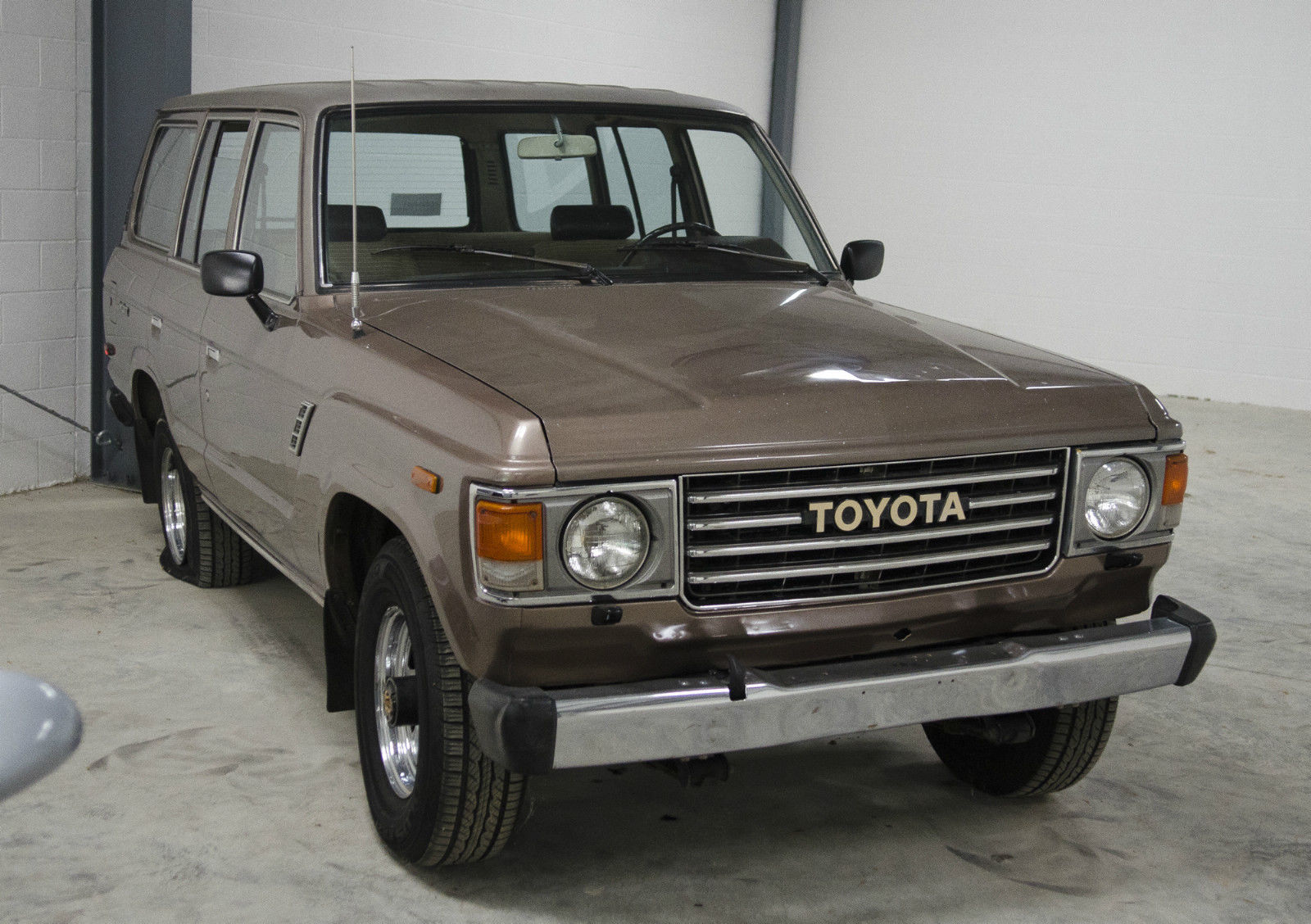 1985 toyota land cruiser project car classic toyota land cruiser 1985 for sale. Black Bedroom Furniture Sets. Home Design Ideas