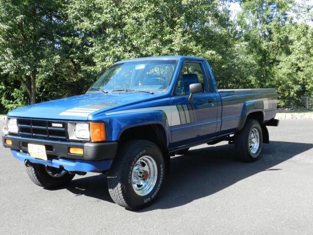 1985 toyota sr5 pickup truck 39 4 cyl turbo diesel 2l t 39 4x4 5 speed straight axle classic for 1985 toyota pickup interior parts