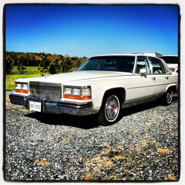 1986 Cadillac Fleetwood Brougham D'Elegance Sedan 4-Door 5