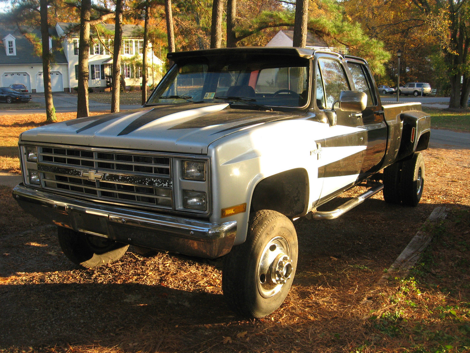 1986 Chevy 1 Ton Dually Crew Cab Lifted 4x4 Pick Up
