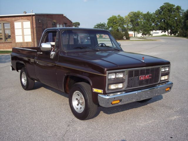 1986 Chevy Gmc 1  2 Ton Short Bed Pickup Truck