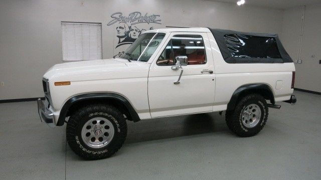Ford Bronco Xlt Dr X In Gloss White Finish W Red Sport Buckets