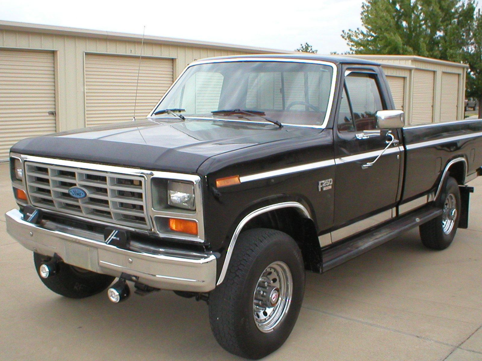 Ford F250 8 Foot Bed For Sale >> 1986 Ford F 250 Pickup 8 Foot Bed 7 5 V8 4 Wheel Drive 4 Speed Low