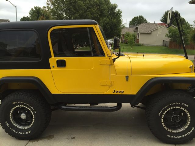 1986 jeep cj7 yellow and black with accessories classic jeep cj 1986 for sale. Black Bedroom Furniture Sets. Home Design Ideas
