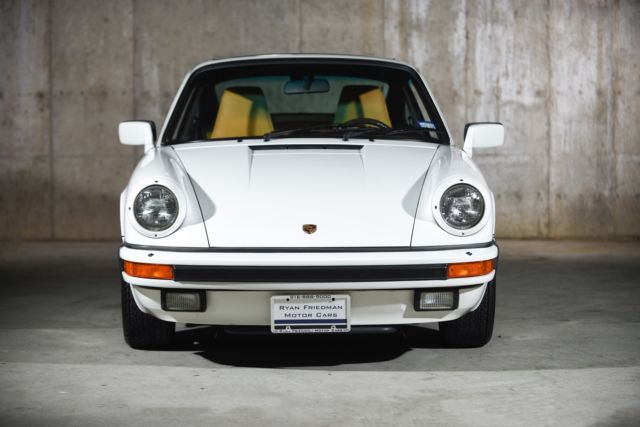 1986 porsche 911 carrera 9952 miles grand prix white coupe h6 3 2l manual classic porsche 911. Black Bedroom Furniture Sets. Home Design Ideas