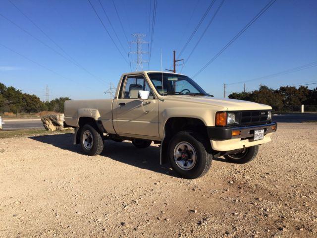 1986 Toyota Pickup Tan 22r 4x4 4wd Classic Toyota