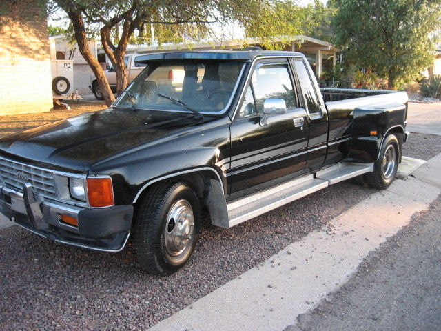 Toyota 1 Ton Dually Truck For