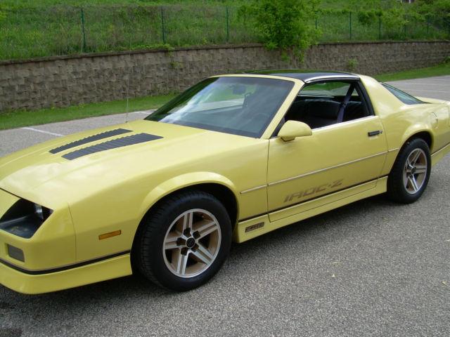 1987 Camaro Iroc Z 350 Yellow 88 89 90 91 92 Classic