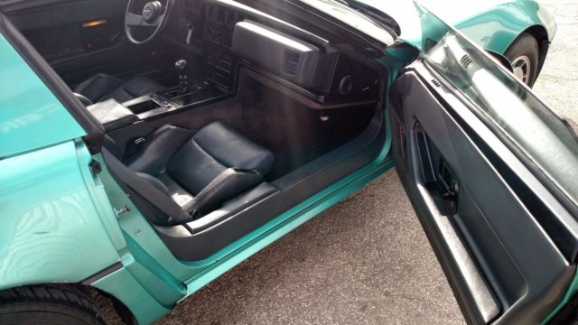 1987 chevrolet corvette 5 7l 350 v8 hatchback coupe t tops manual rwd teal black classic. Black Bedroom Furniture Sets. Home Design Ideas