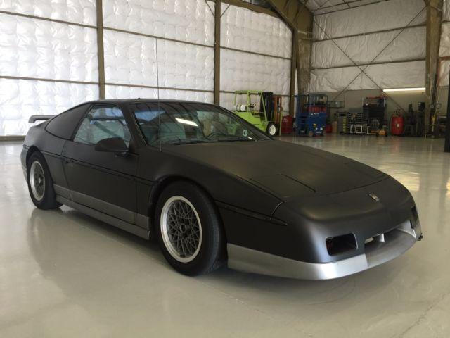 1987 Pontiac Fiero GT Black