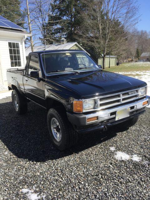 Toyota Tacoma Tool Box >> 1987 Toyota Tacoma 4x4 Pickup 4WD - Classic Toyota Tacoma ...