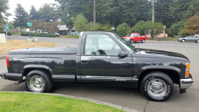 1988 chevy silverado 1500 shortbox step side pickup w only 134k original miles classic. Black Bedroom Furniture Sets. Home Design Ideas
