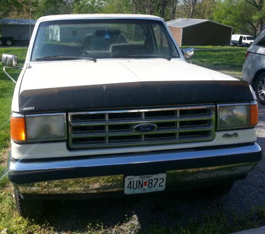 1988 Ford F-150 4x4 XLT 5 0L V8 302 *For parts/repair