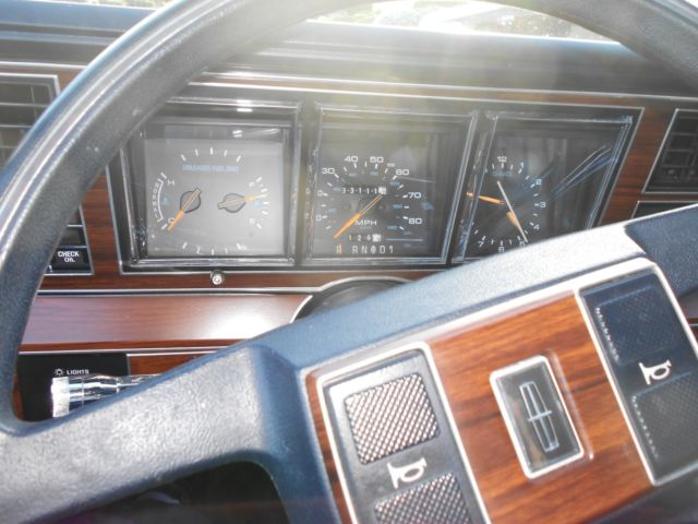 1988 lincoln tc excellent mechanical condition good body and interior conditio classic. Black Bedroom Furniture Sets. Home Design Ideas