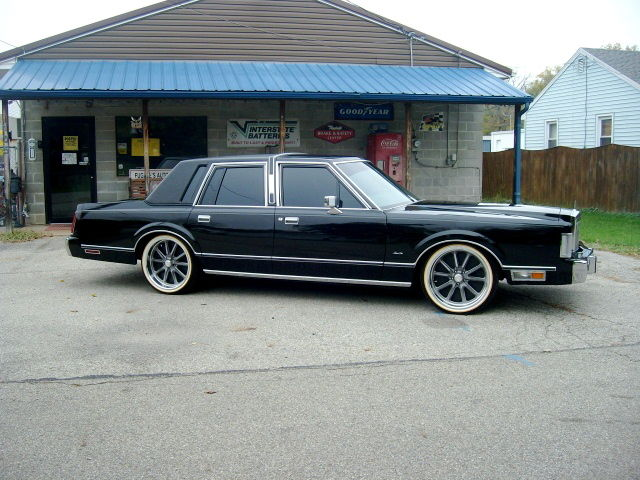 1988 Lincoln Town Car Show Winner Bagged Classic