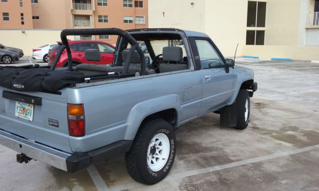 1988 Toyota 4runner dlx sr5 4x4 22re turbo auto soft top ac