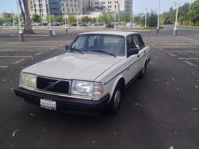 1988 volvo 240 146 000 miles lots of recent mainteance classic volvo 240 1988 for sale. Black Bedroom Furniture Sets. Home Design Ideas