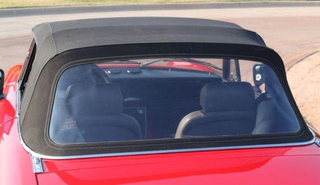 Alfa Romeo Spider Quadrifoglio Removable Hardtop Leather Seats