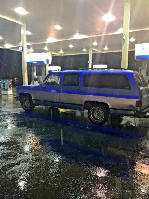 1989 Chevrolet Suburban Square Body 2wd Silverado Package