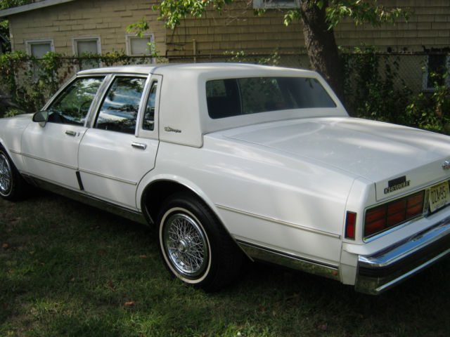 1989 chevy caprice ls brougham 50 000 miles garage car real clean white classic chevrolet. Black Bedroom Furniture Sets. Home Design Ideas
