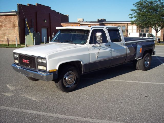 Chevy Crew Cab Dually Dual Wheel Pickup Truck on Chevy Air Filter Location
