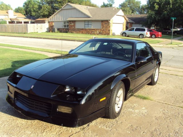 1989 classic rs chevy camaro black one owner garage kept classic chevrolet camaro 1989. Black Bedroom Furniture Sets. Home Design Ideas