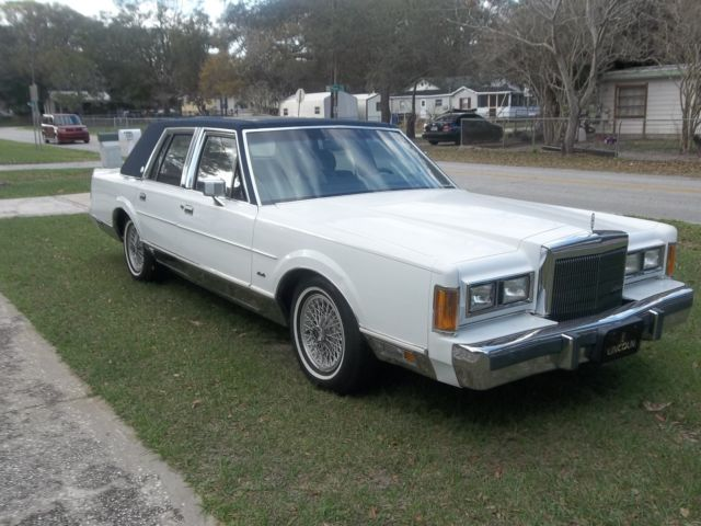 1989 Lincoln Town Car Signature Cartier Series Classic Lincoln
