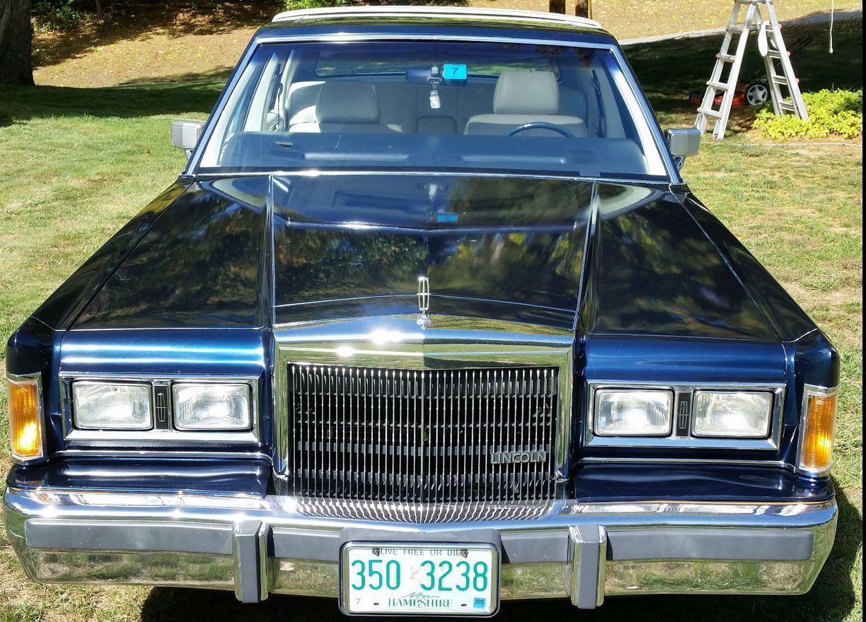 1989 Lincoln Town Car Signature Se Sedan 4 Door 5 0l With 38 158 Mi
