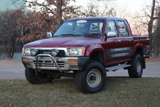 1989 toyota hilux diesel double cab 4x4 4 door 5 speed solid axle beauty classic toyota tacoma. Black Bedroom Furniture Sets. Home Design Ideas