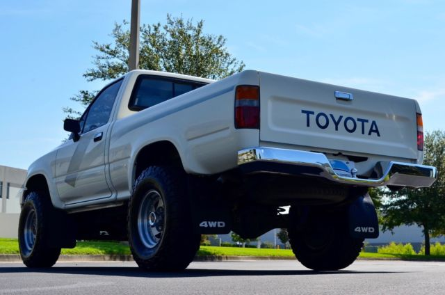 22re Engine For Sale >> 1989 TOYOTA PICKUP DLX 4X4 REGULAR CAB TACOMA TRD HILUX 22RE 5 SPEED NO RESERVE - Classic Toyota ...