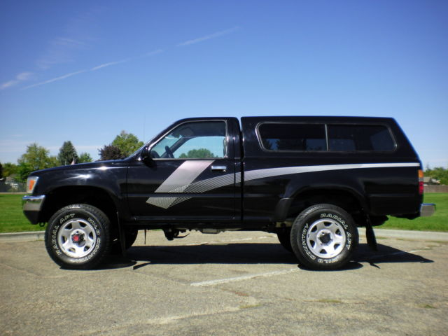 1989 toyota pickup dx 4x4 22re 1 owner only 97k miles. Black Bedroom Furniture Sets. Home Design Ideas