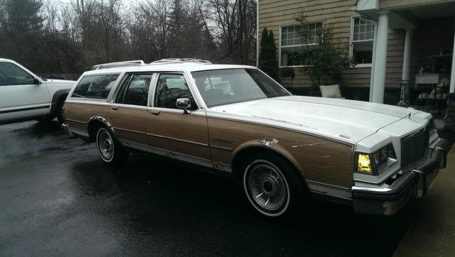 1990 Buick Estate Wagon Classic Buick Lesabre 1990 For Sale border=