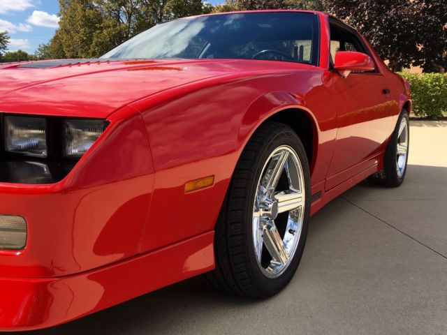 1990 chevrolet camaro iroc z 28 49k miles new chrome 18 wheels 4 wheel di classic. Black Bedroom Furniture Sets. Home Design Ideas