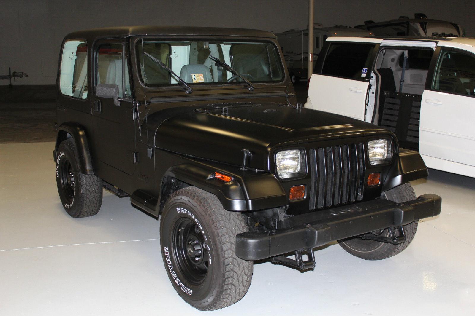 1990 jeep wrangler base sport utility 2 door 4 2l black hardtop new tires belts classic jeep. Black Bedroom Furniture Sets. Home Design Ideas