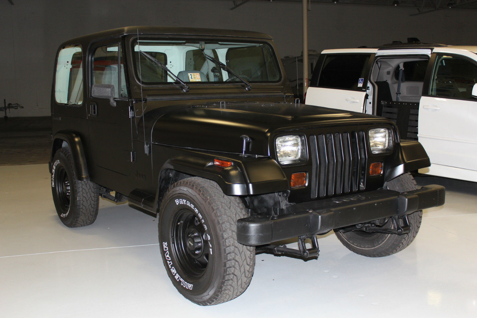 1990 jeep wrangler base sport utility 2 door 4 2l black hardtop new tires belts classic jeep. Black Bedroom Furniture Sets. Home Design Ideas
