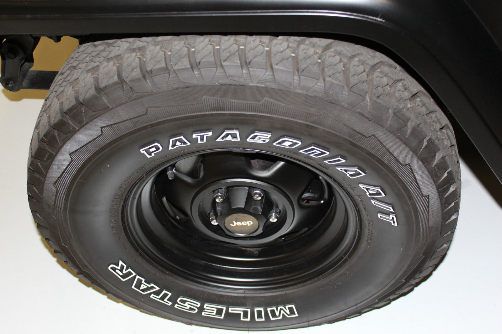 1990 Jeep Wrangler Base Sport Utility 2 Door 42l Black Hardtop New 1988 Hard Top Tires Belts