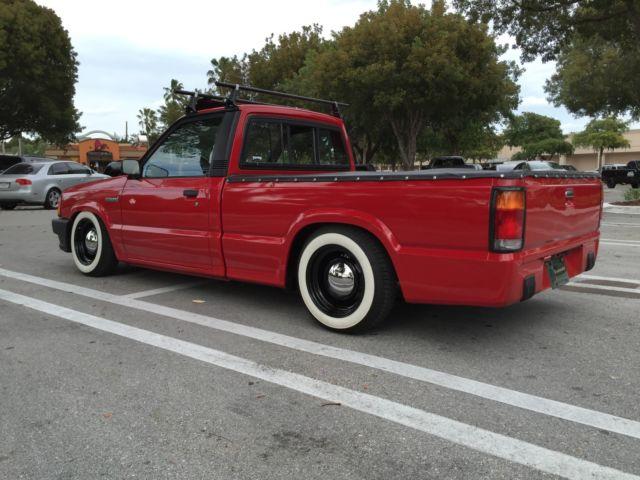 1990 Mazda B2600i Pick-up Truck