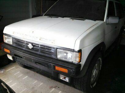 1990 Nissan Pathfinder Runs Good 4 Wheel Drive Works