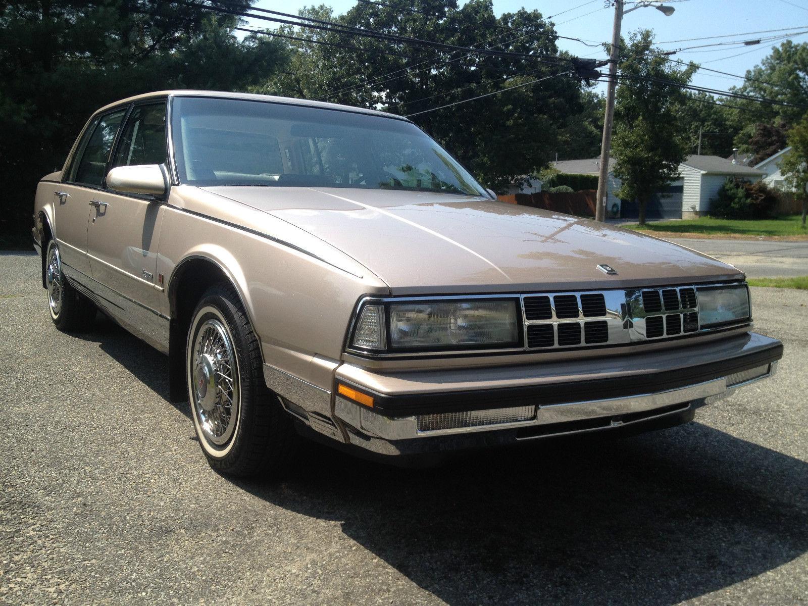 1990 Oldsmobile Regency Brougham Classic Oldsmobile