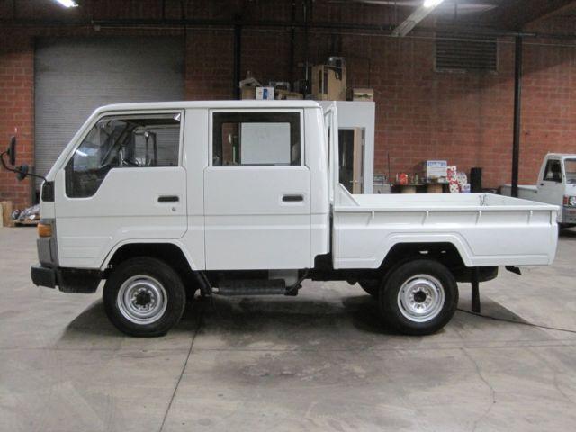 1990 Toyota Hiace Crewcab Truck DIESEL 4WD Hi-Lo 5 speed RHD